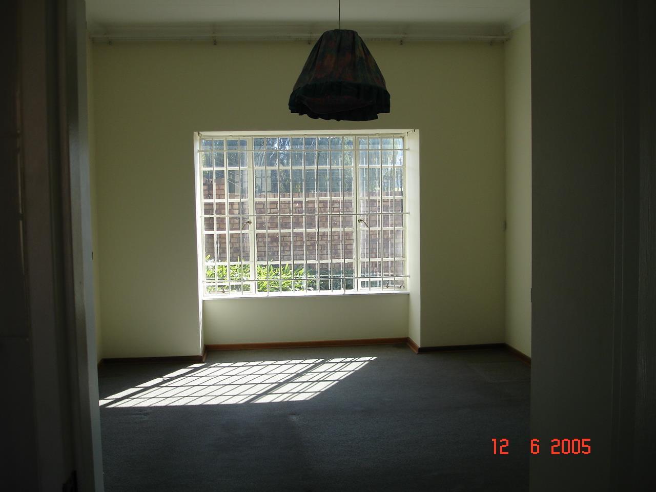 Glenvista property for sale. Ref No: 13525347. Picture no 18