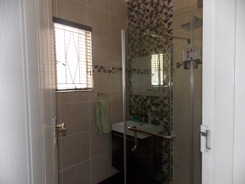 Mulbarton property for sale. Ref No: 13564299. Picture no 25