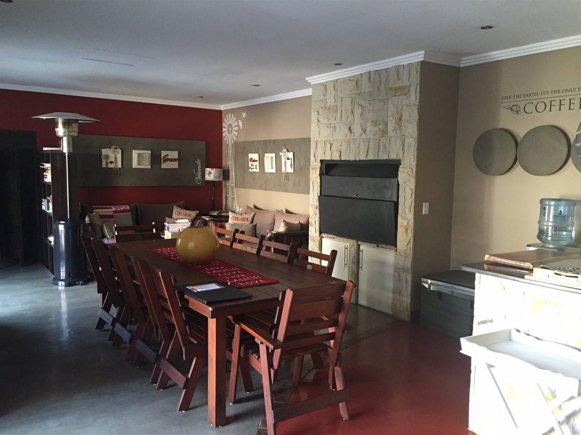 Midfield Estate property for sale. Ref No: 13288494. Picture no 5