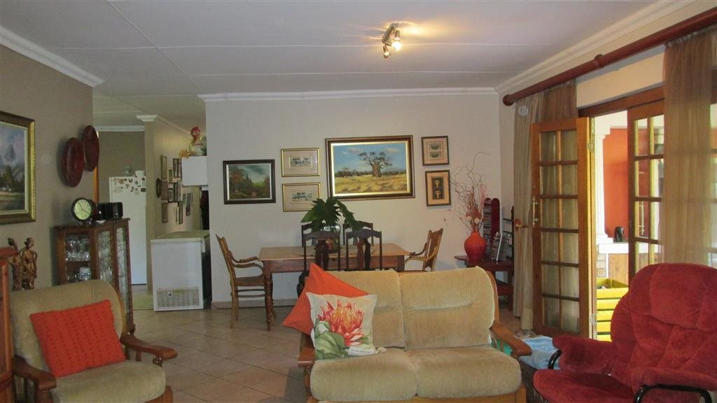 Ramsgate property for sale. Ref No: 13371292. Picture no 5