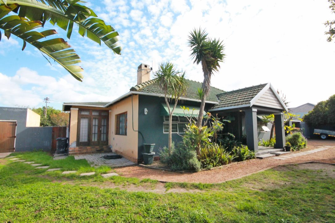 Property and Houses for sale in Pinelands, House, 3 Bedrooms - ZAR 3,300,000