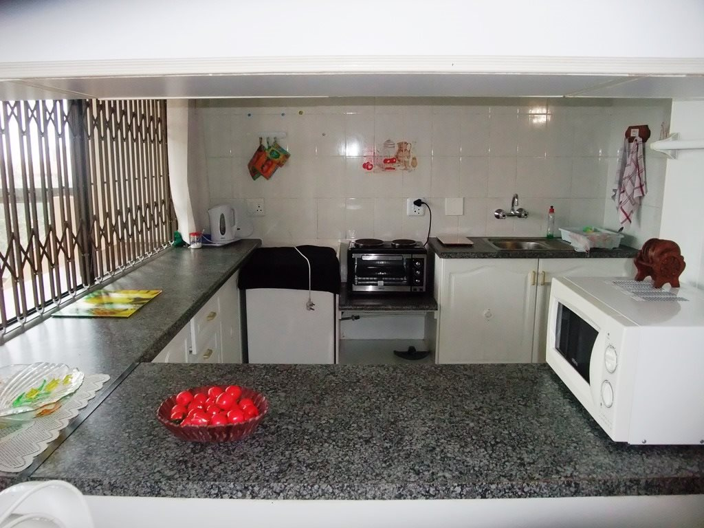 Margate property for sale. Ref No: 12775009. Picture no 9