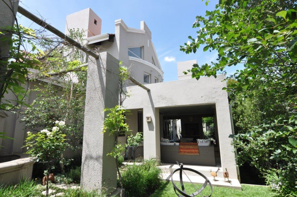 Sandton, Douglasdale Property    Houses To Rent Douglasdale, Douglasdale, House 3 bedrooms property to rent Price:, 18,50*