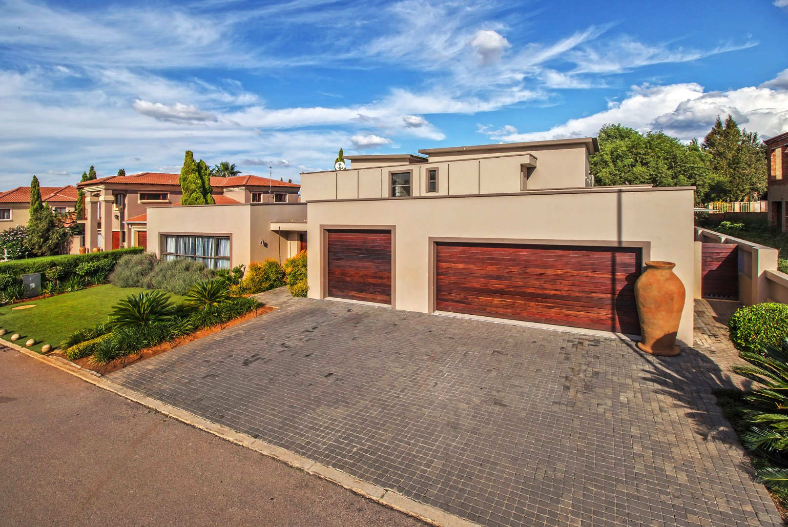 Property and Houses for sale in Willow Acres Estate, House, 5 Bedrooms - ZAR 3,850,000