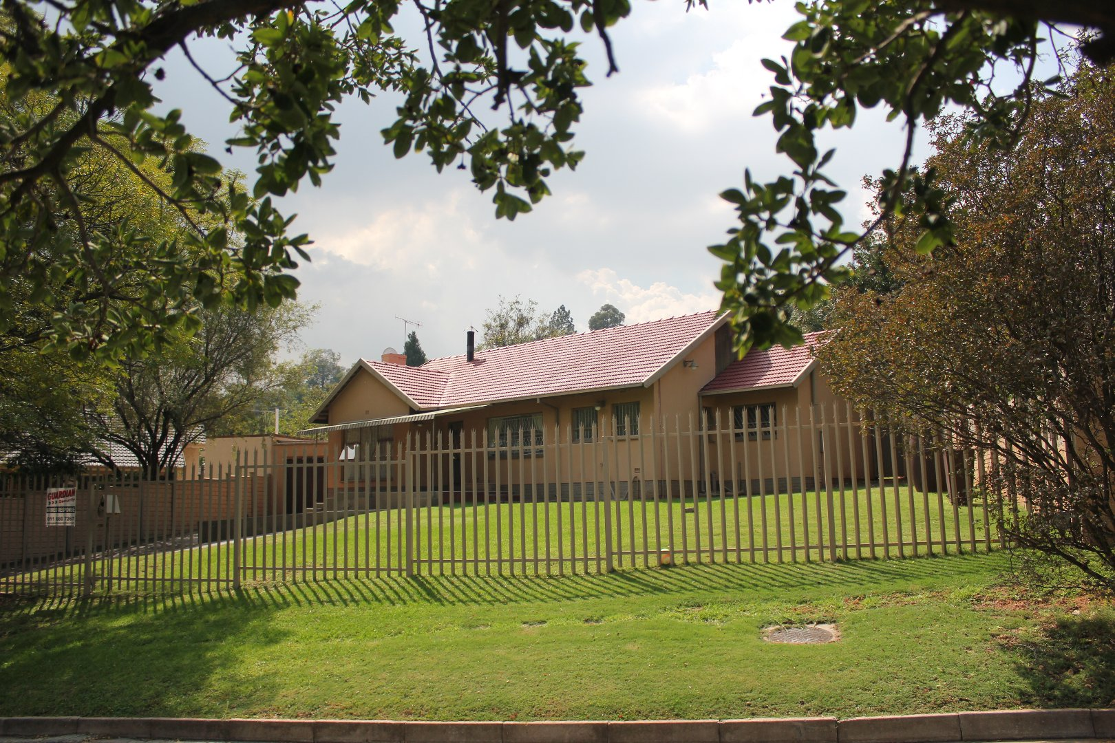 Johannesburg, Mondeor Property  | Houses For Sale Mondeor, Mondeor, House 4 bedrooms property for sale Price:1,580,000