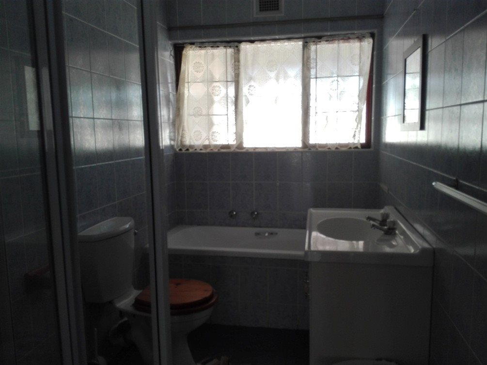 Uvongo property for sale. Ref No: 13360295. Picture no 23