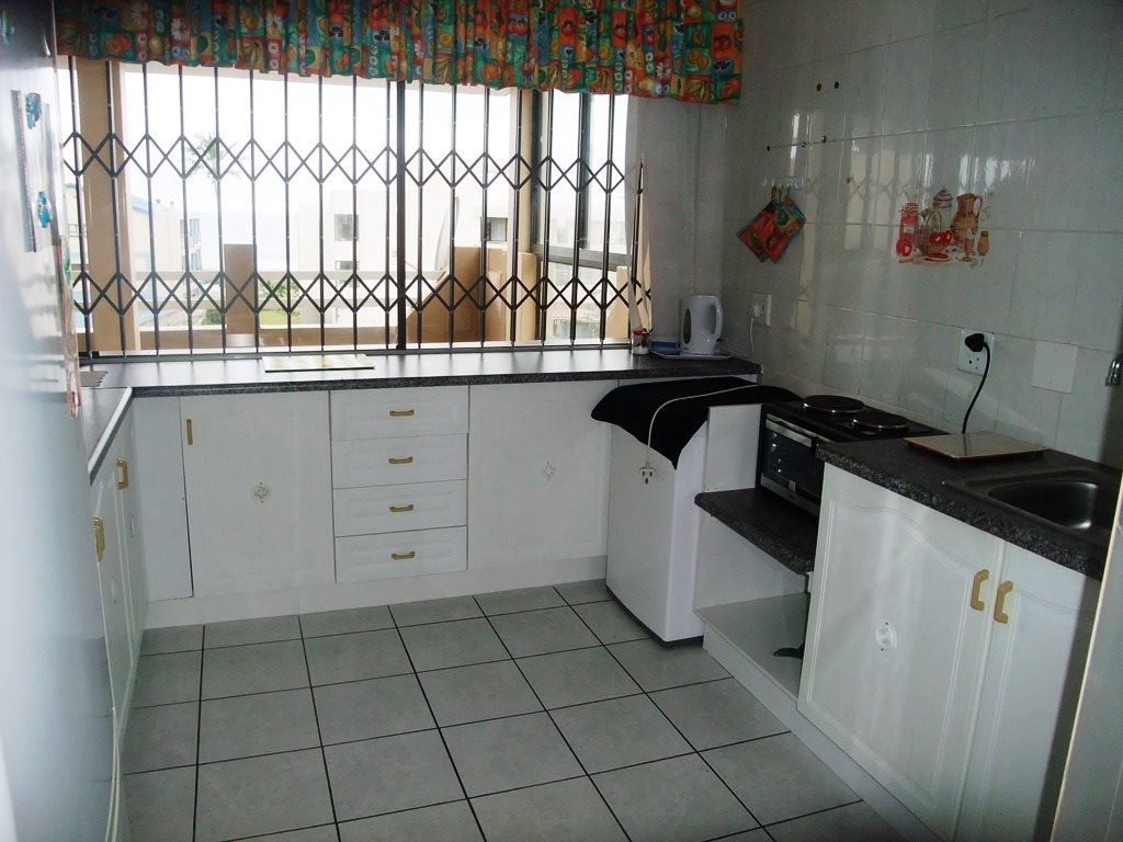 Margate property for sale. Ref No: 12775009. Picture no 10