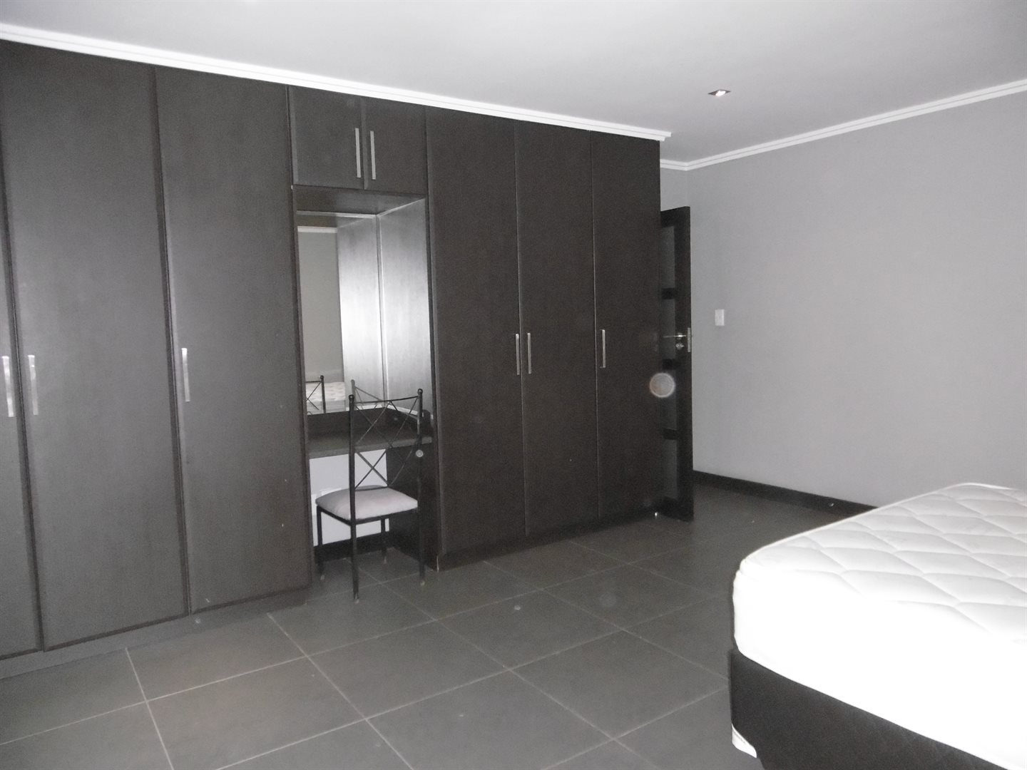 Bryanston property to rent. Ref No: 13504988. Picture no 10