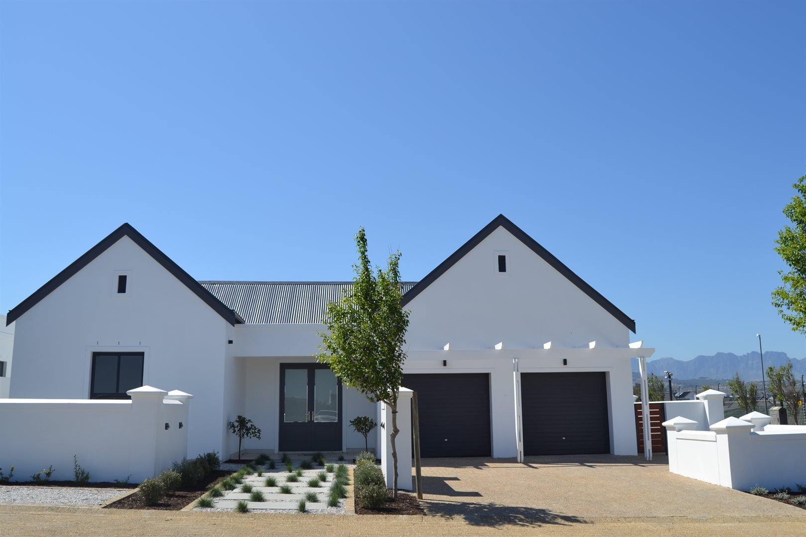 Property and Houses for sale in Somerset West (All), House, 4 Bedrooms - ZAR 4,950,000
