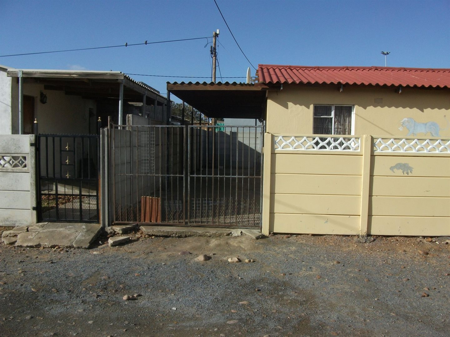 Property and Houses for sale in Avian Park, House, 2 Bedrooms - ZAR 312,000
