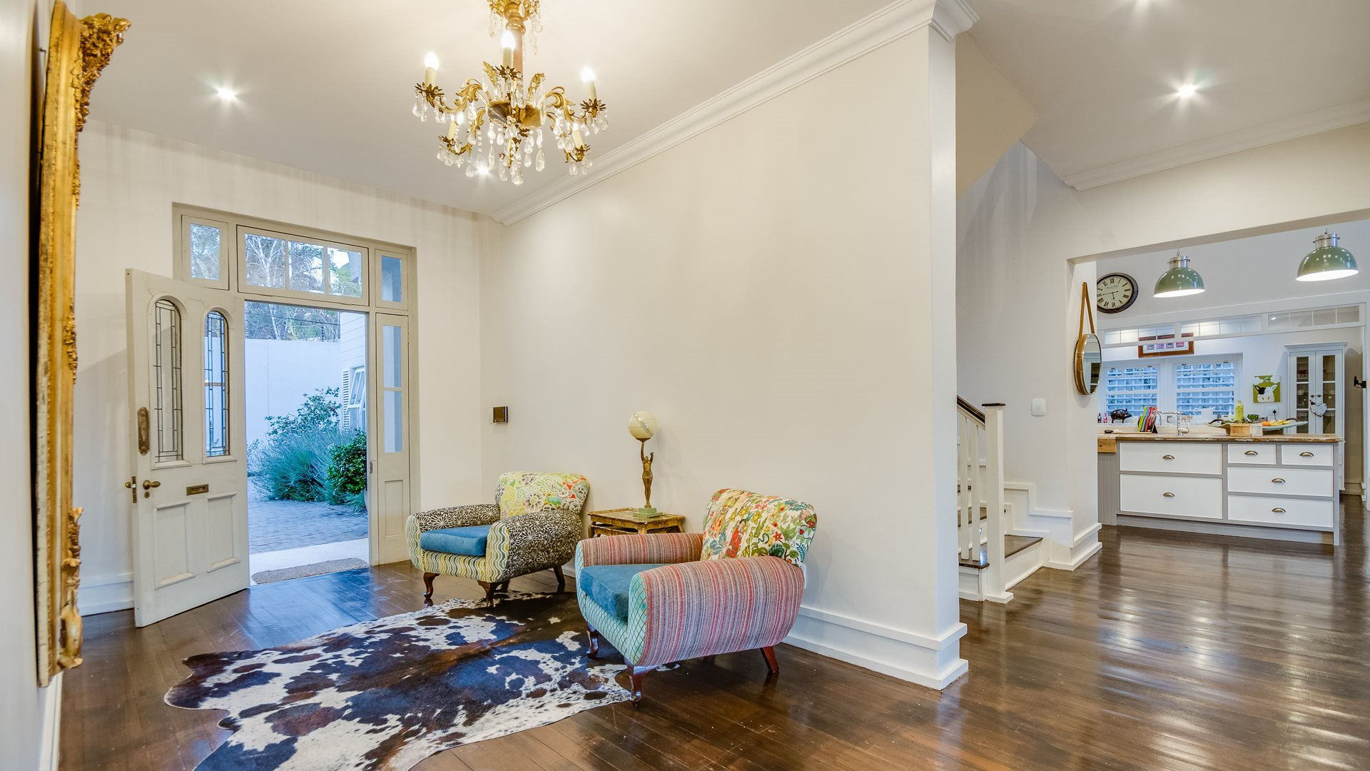 Benmore Gardens property for sale. Ref No: 13524490. Picture no 2