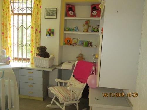 Glenvista property for sale. Ref No: 13525322. Picture no 9