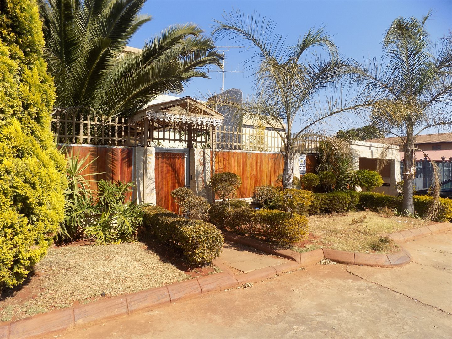 Laudium property for sale. Ref No: 13520955. Picture no 1