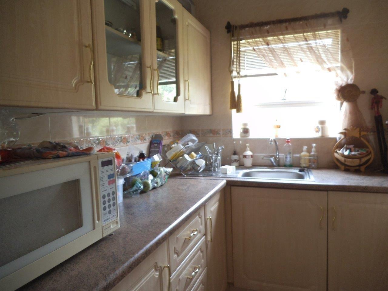 Glenvista property for sale. Ref No: 13624500. Picture no 37