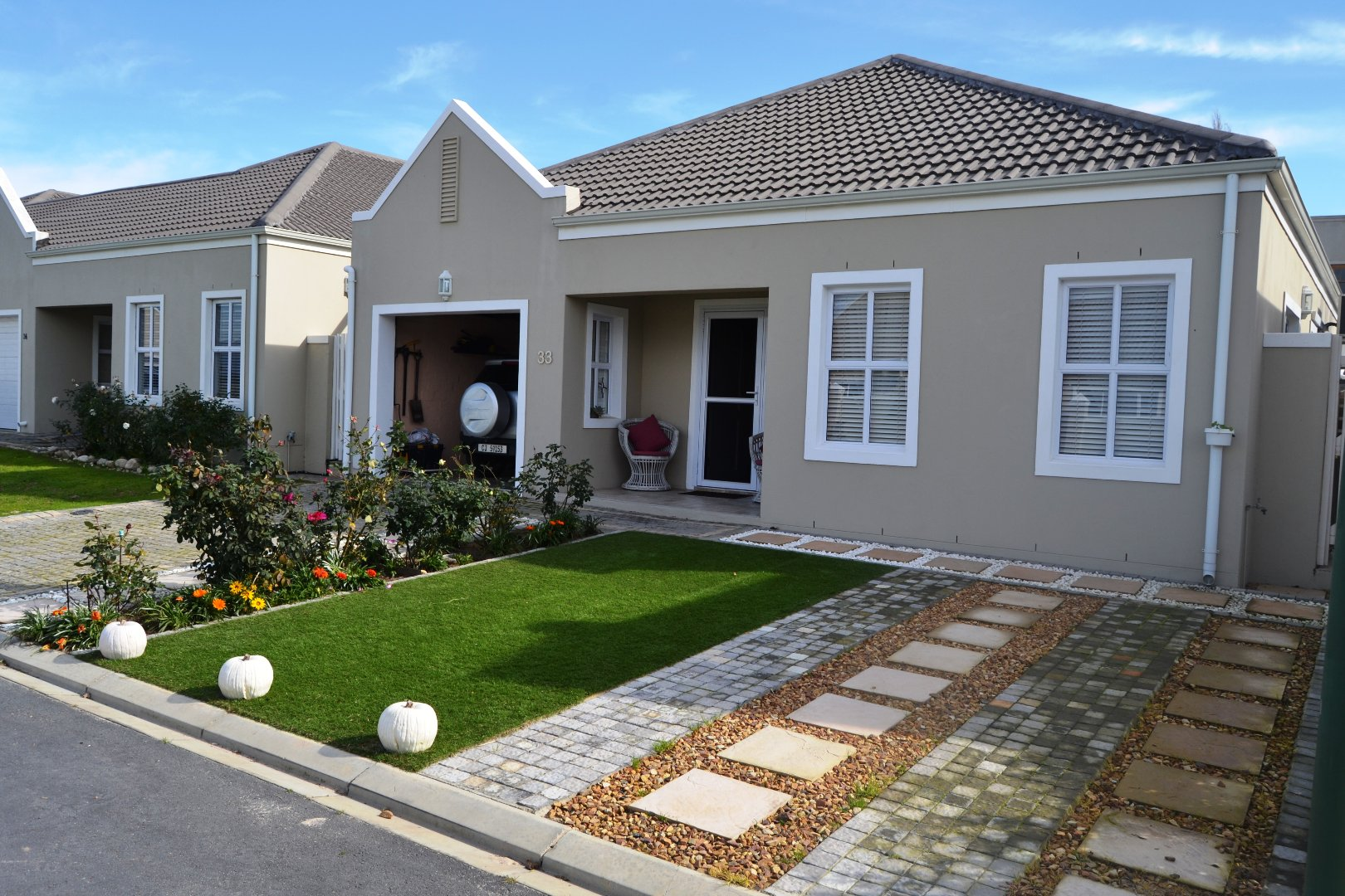 Property and Houses for sale in Paarl South, House, 3 Bedrooms - ZAR 2,395,000