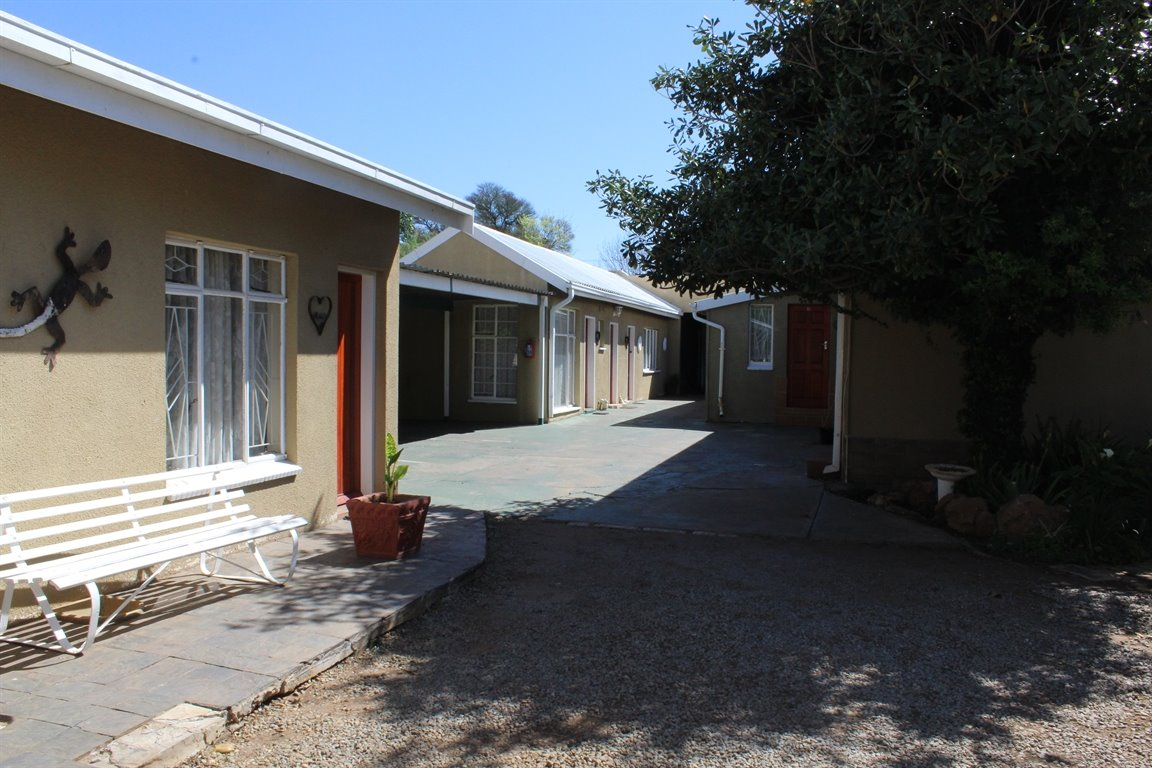 Potchefstroom Central property for sale. Ref No: 13388086. Picture no 5