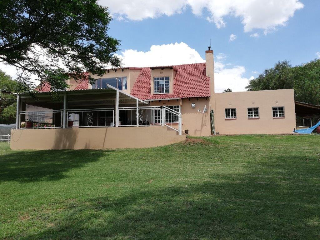 Property and Houses for sale in Mnandi, House, 5 Bedrooms - ZAR 3,500,000