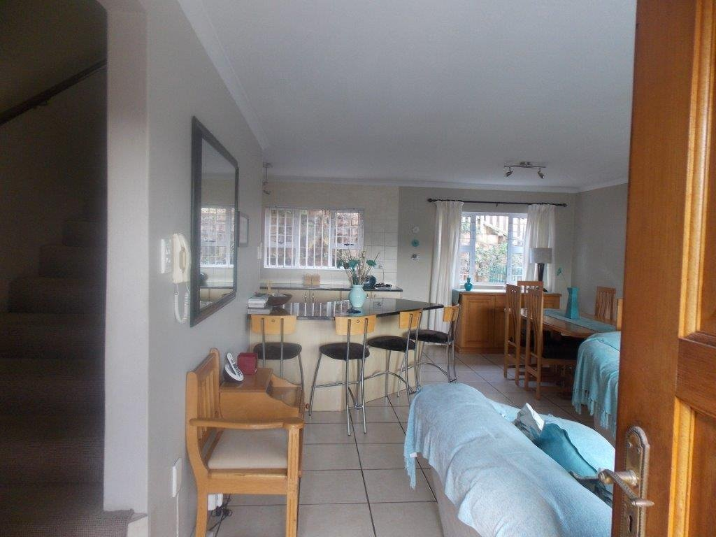 Amanzimtoti property for sale. Ref No: 13372994. Picture no 48