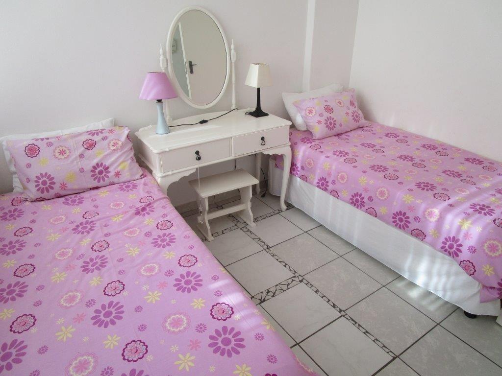 Amanzimtoti property for sale. Ref No: 13577463. Picture no 8
