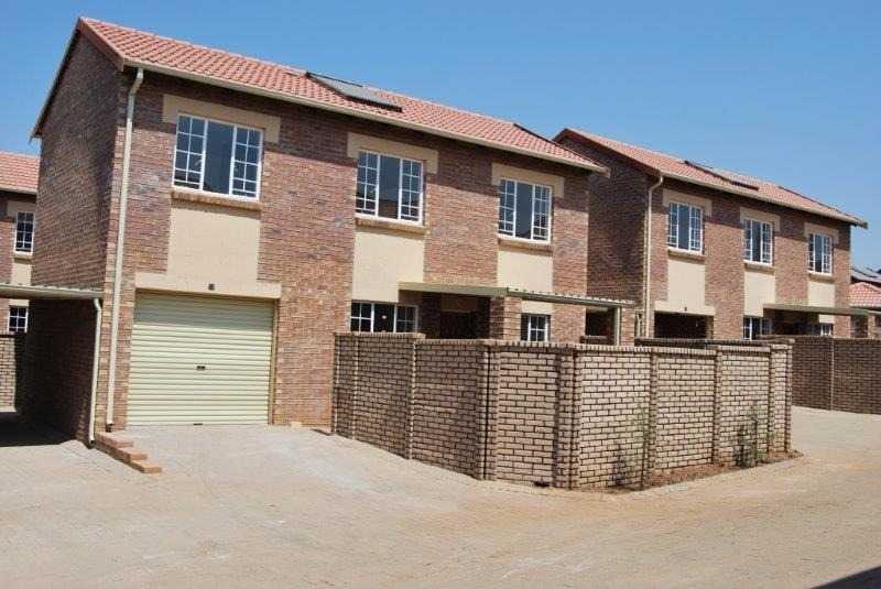 Property and Houses to rent in Gauteng - Page 2, Apartment, 3 Bedrooms - ZAR ,  8,50*,M