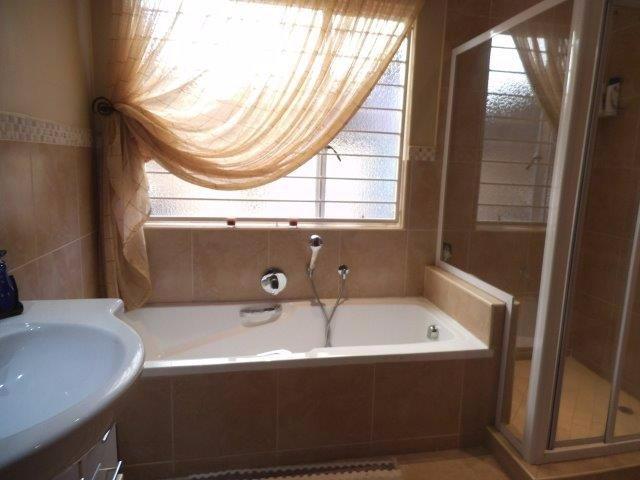 Brackenhurst property for sale. Ref No: 13544136. Picture no 10