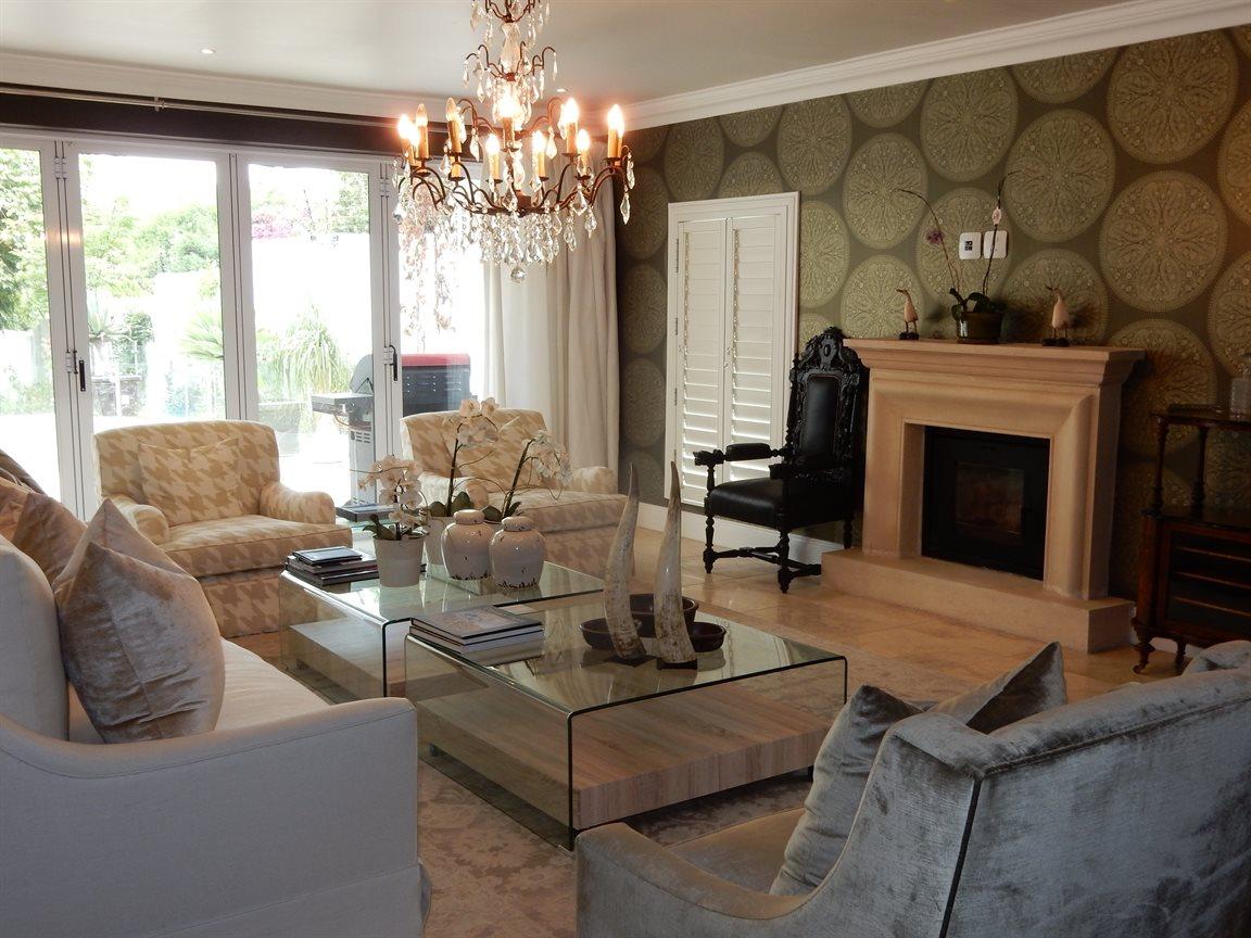 Bryanston property for sale. Ref No: 13290662. Picture no 14