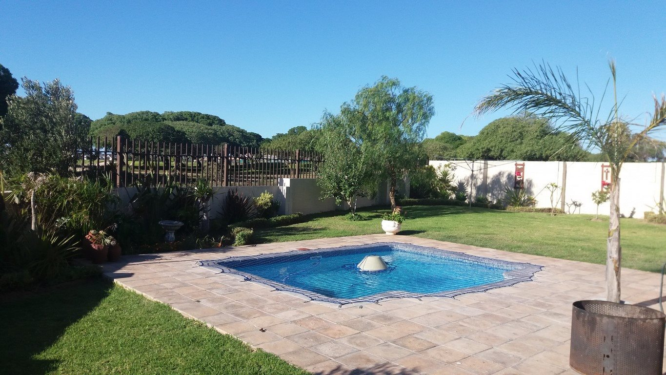 Country Club property for sale. Ref No: 13567857. Picture no 23