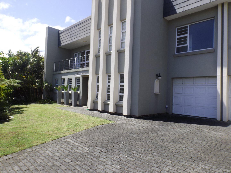 Property for Sale by DLC INC. ATTORNEYS Teresa De La Querra, House, 4 Bedrooms - ZAR 4,500,000