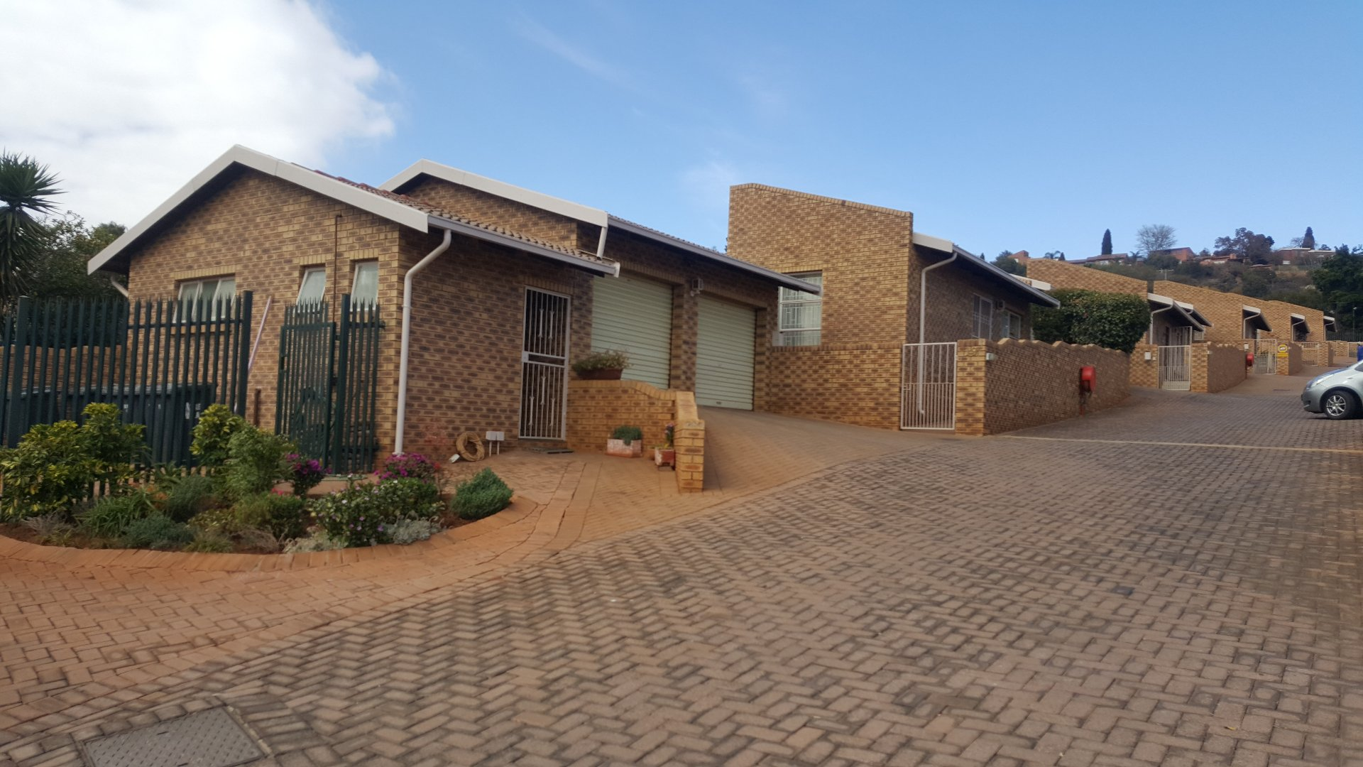 Roodepoort, Roodekrans Property  | Houses For Sale Roodekrans, Roodekrans, Townhouse 3 bedrooms property for sale Price:1,320,000