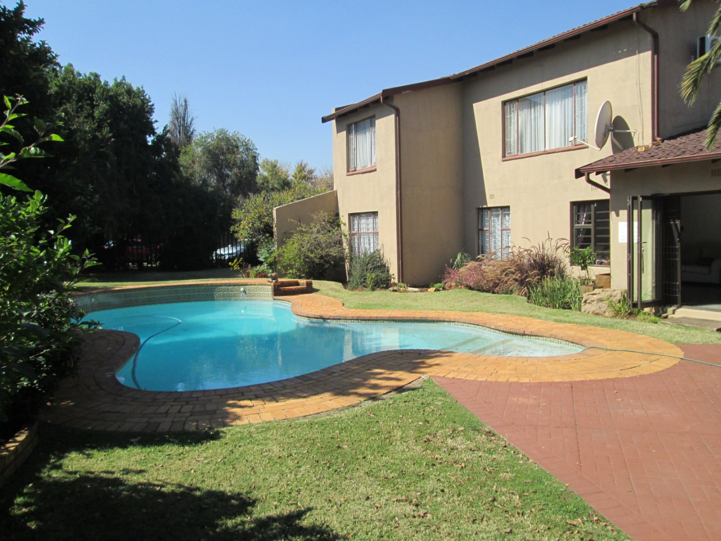 Property and Houses for sale in Brackendowns, House, 5 Bedrooms - ZAR 1,790,000