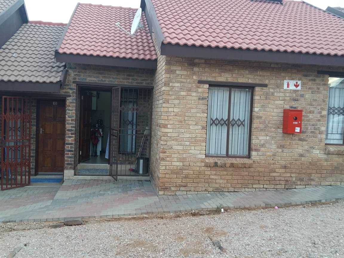 Centurion, Olievenhoutbosch Property  | Houses For Sale Olievenhoutbosch, Olievenhoutbosch, House 2 bedrooms property for sale Price:475,000