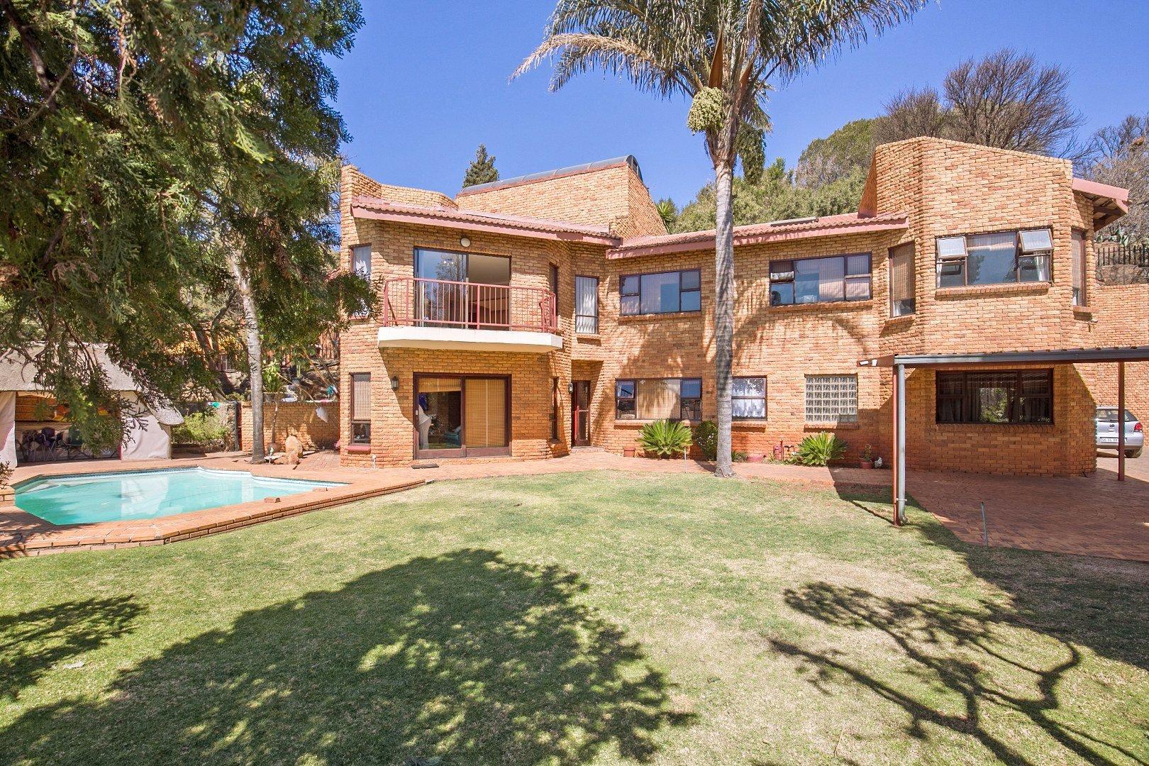 Johannesburg, Glenvista Property  | Houses For Sale Glenvista - Page 2, Glenvista, House 5 bedrooms property for sale Price:2,950,000