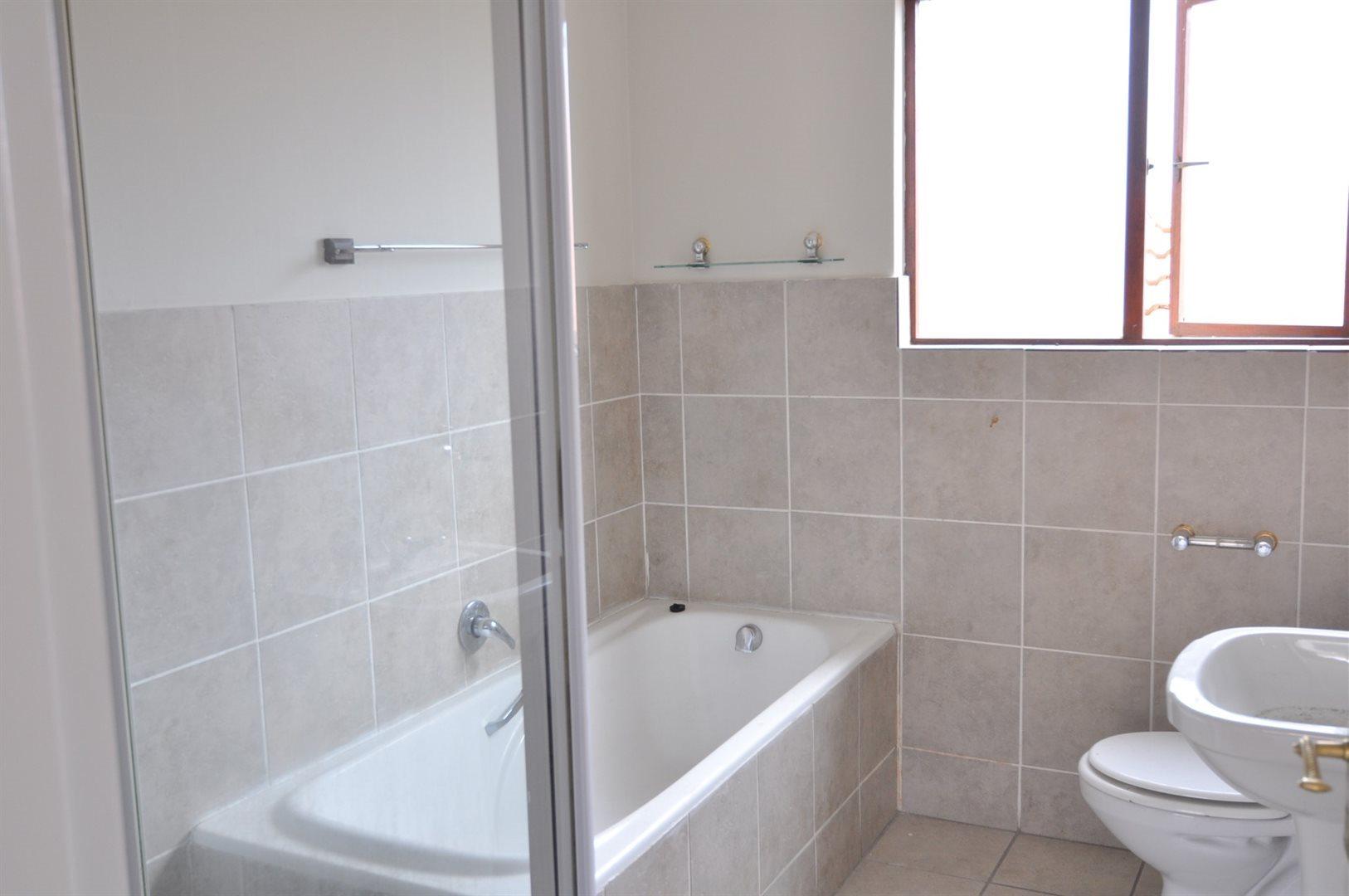 Craigavon property to rent. Ref No: 13555167. Picture no 5