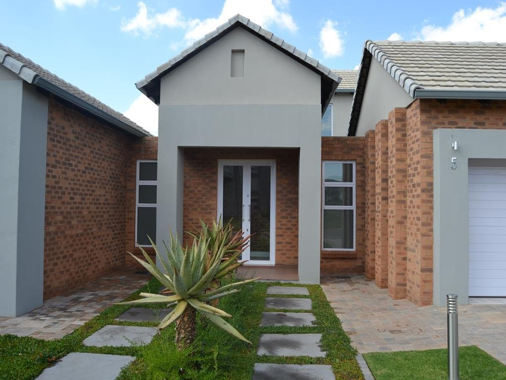 Midlands Estate property for sale. Ref No: 13336218. Picture no 25