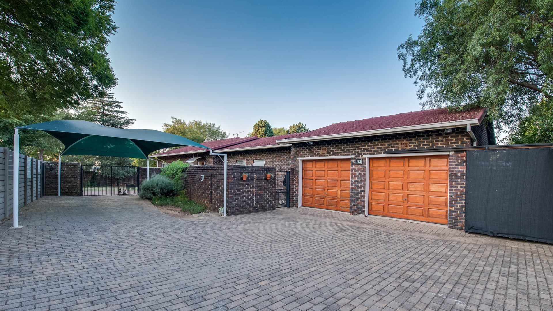 Property and Houses for sale in Randpark Ridge, House, 3 Bedrooms - ZAR 1,690,000