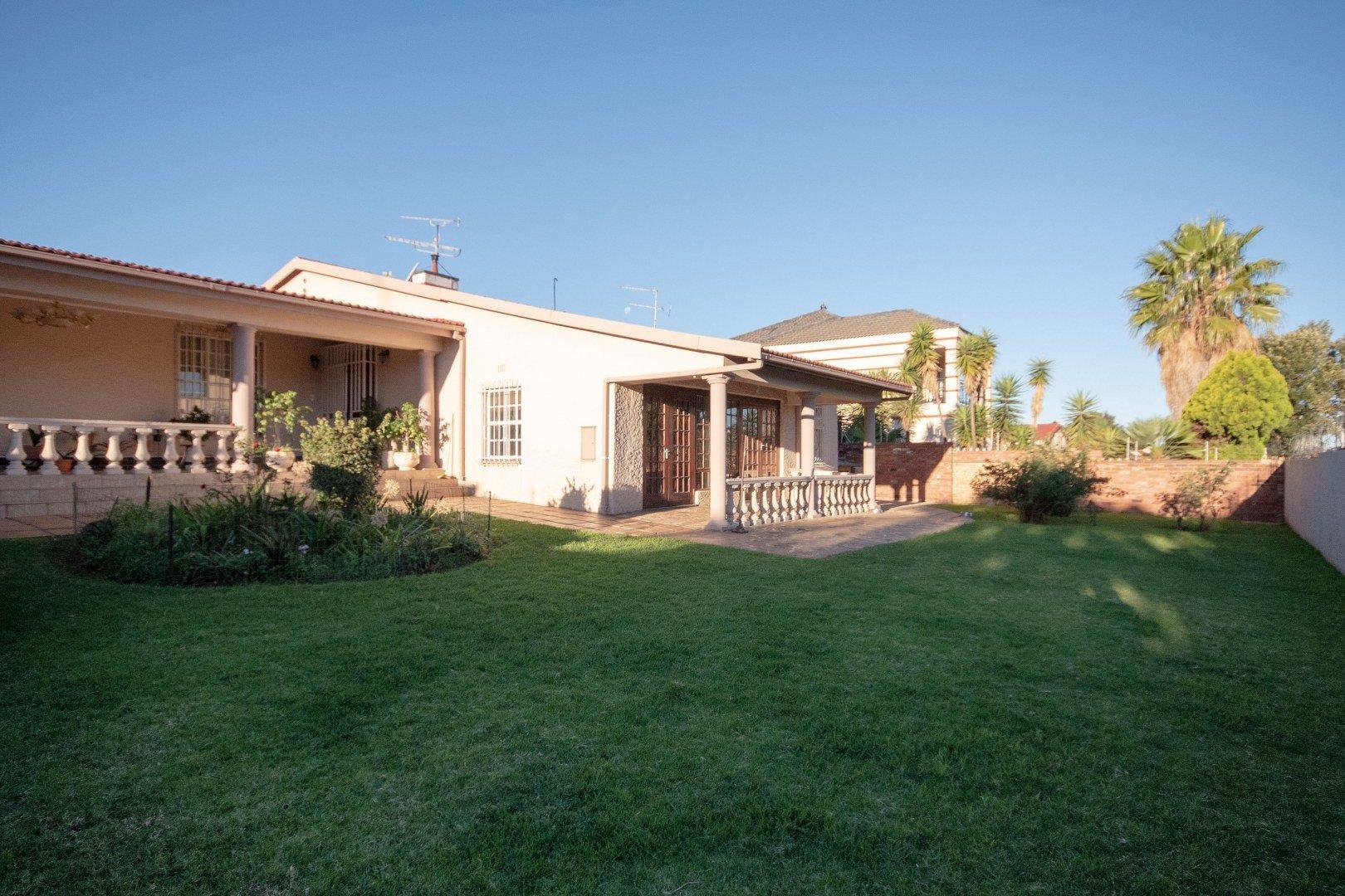 , House, 3 Bedrooms - ZAR 1,695,000