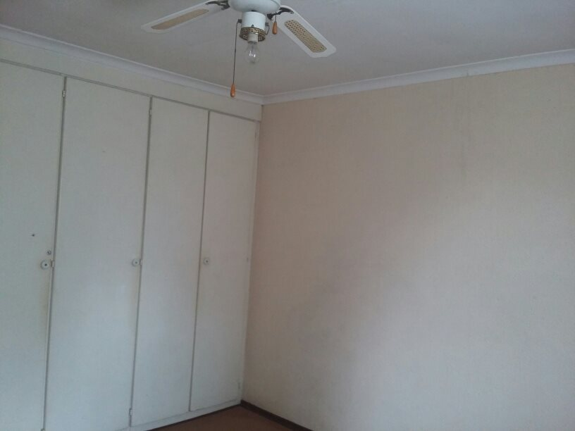 Clarina property for sale. Ref No: 13610732. Picture no 14