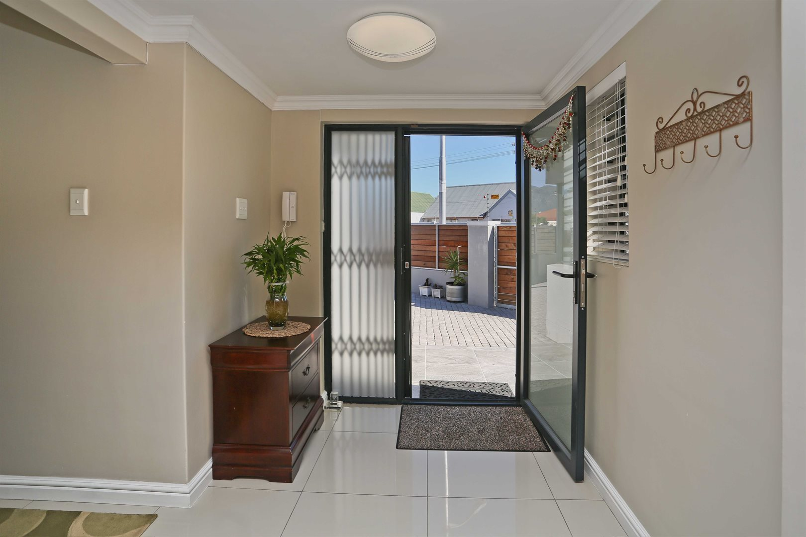 Plumstead property for sale. Ref No: 13581245. Picture no 5