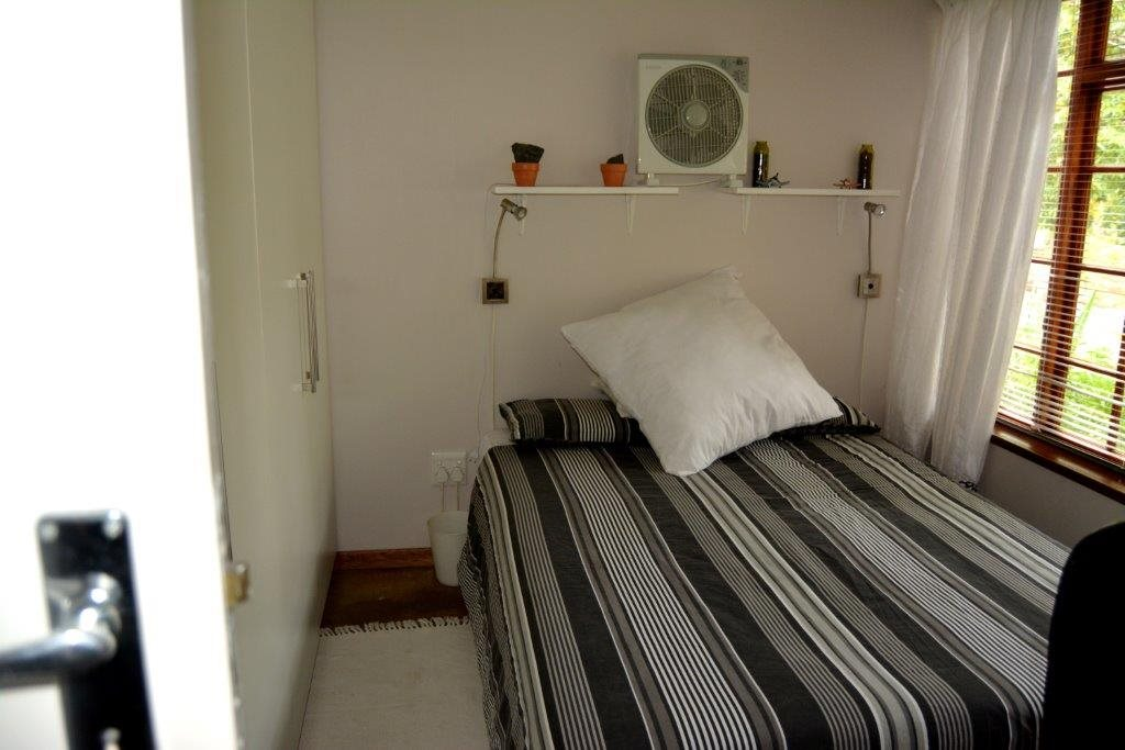 Margate property for sale. Ref No: 12784457. Picture no 13