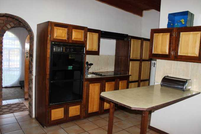 Theresapark property for sale. Ref No: 13568221. Picture no 6