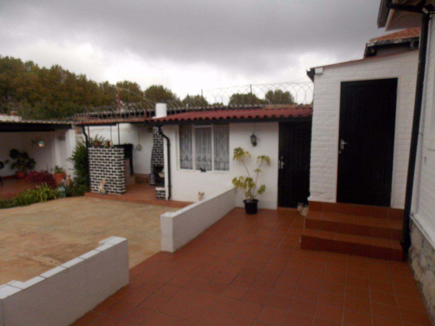 Malvern property for sale. Ref No: 13467428. Picture no 14
