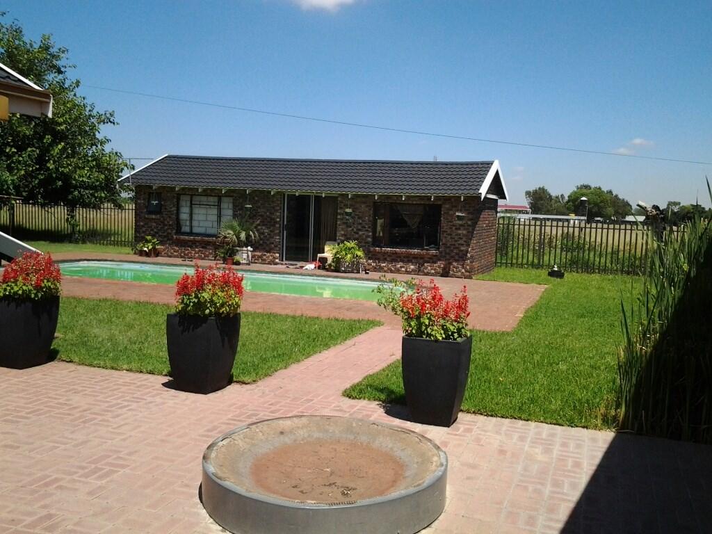 Riverpark property for sale. Ref No: 12731409. Picture no 10
