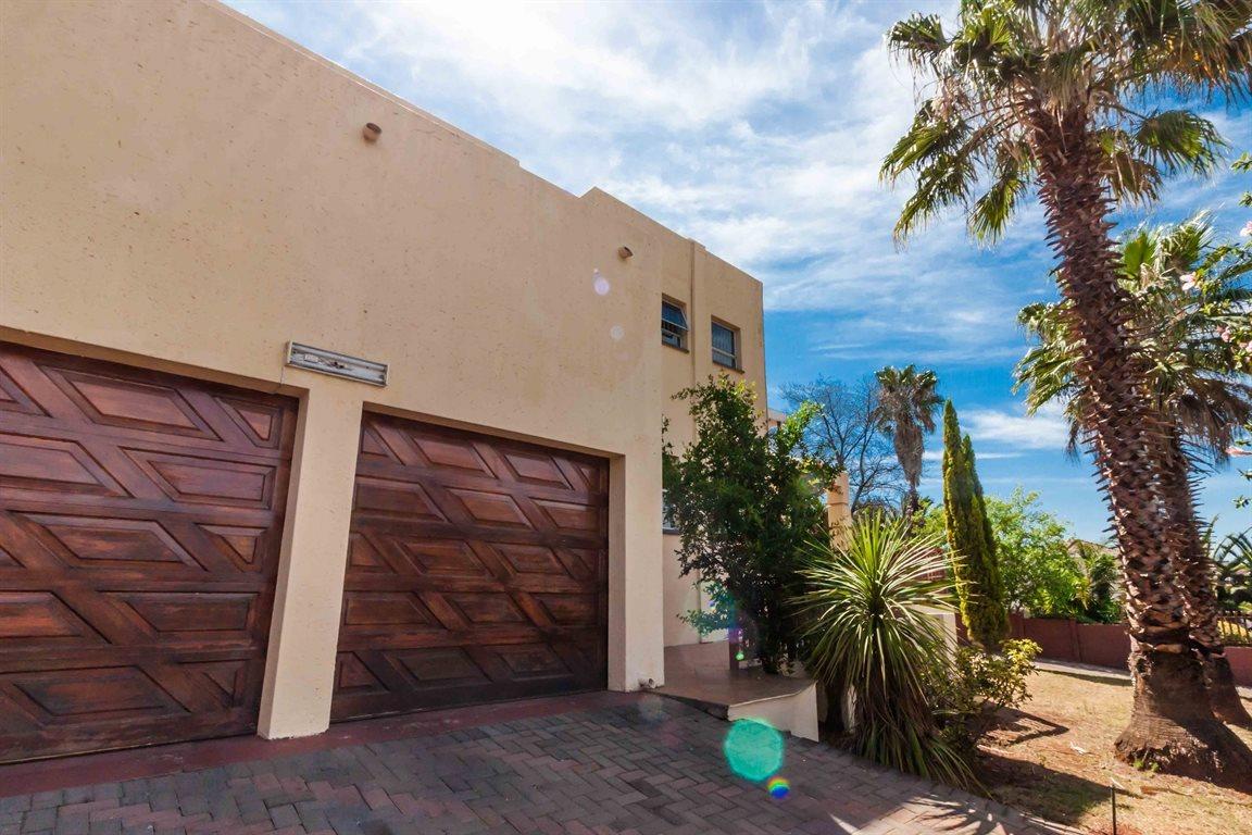 Erasmia property for sale. Ref No: 13400076. Picture no 23