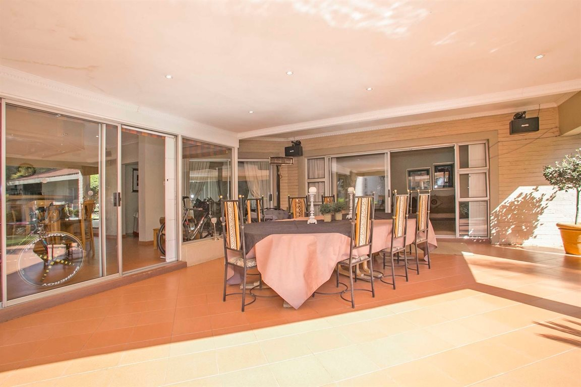Fourways property for sale. Ref No: 13379177. Picture no 16
