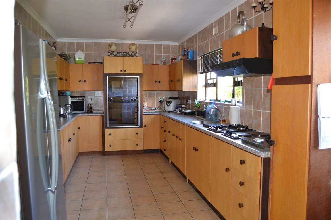Lamberts Bay property for sale. Ref No: 13373968. Picture no 12