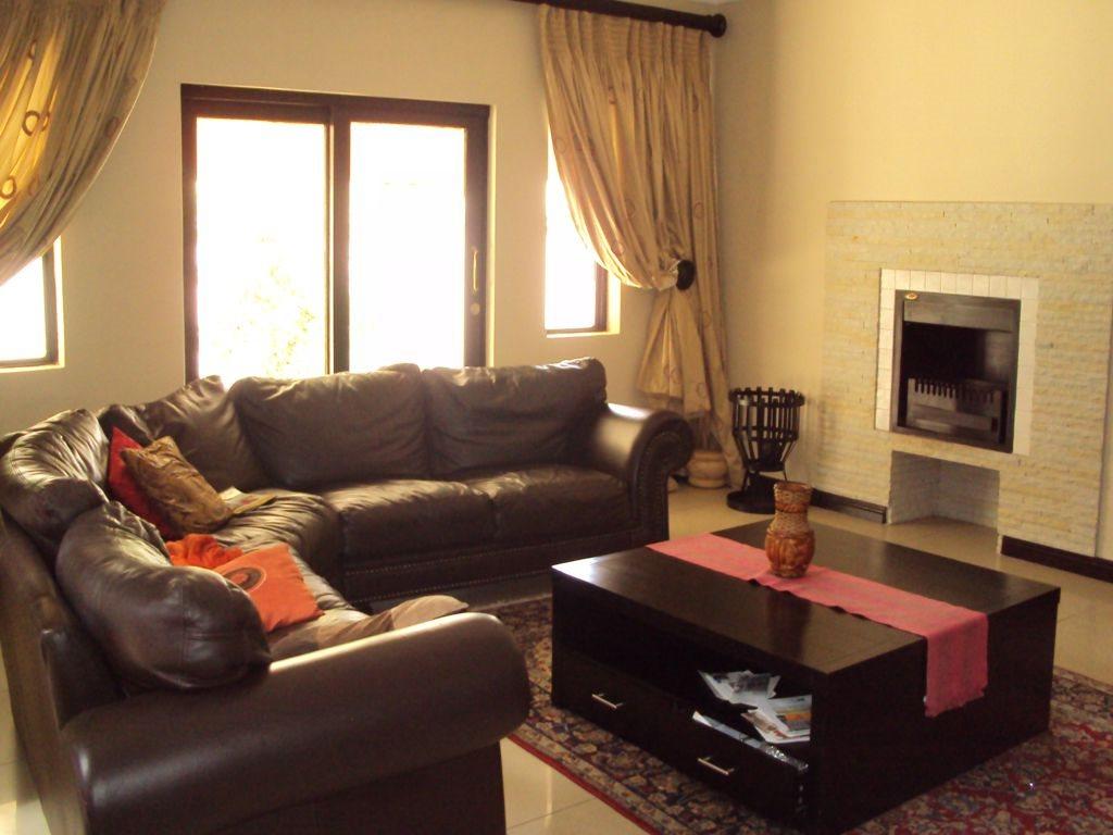 Midstream Estate property for sale. Ref No: 12781454. Picture no 10