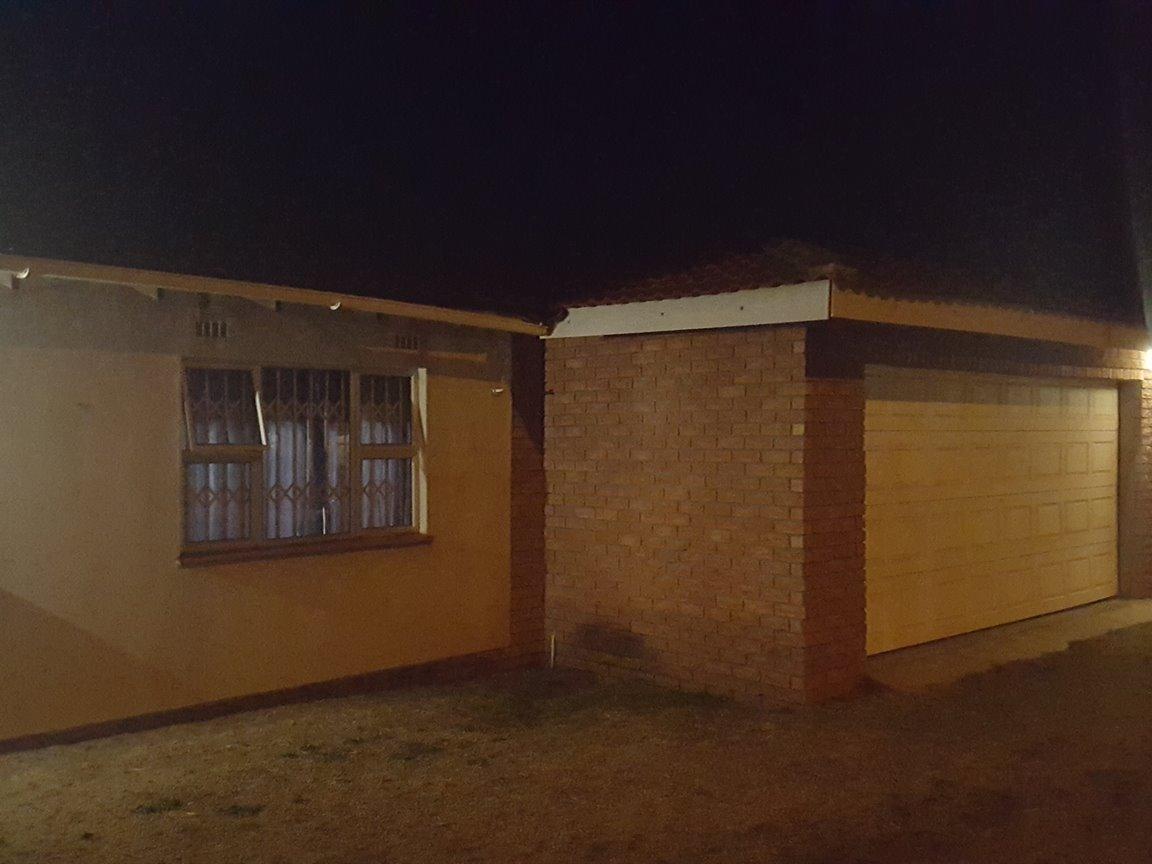 Esikhawini, Esikhawini Property    Houses For Sale Esikhawini, Esikhawini, House 5 bedrooms property for sale Price:795,000