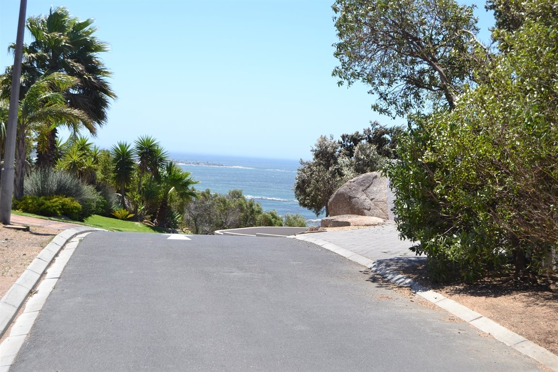 St Helena Bay property for sale. Ref No: 13559679. Picture no 39