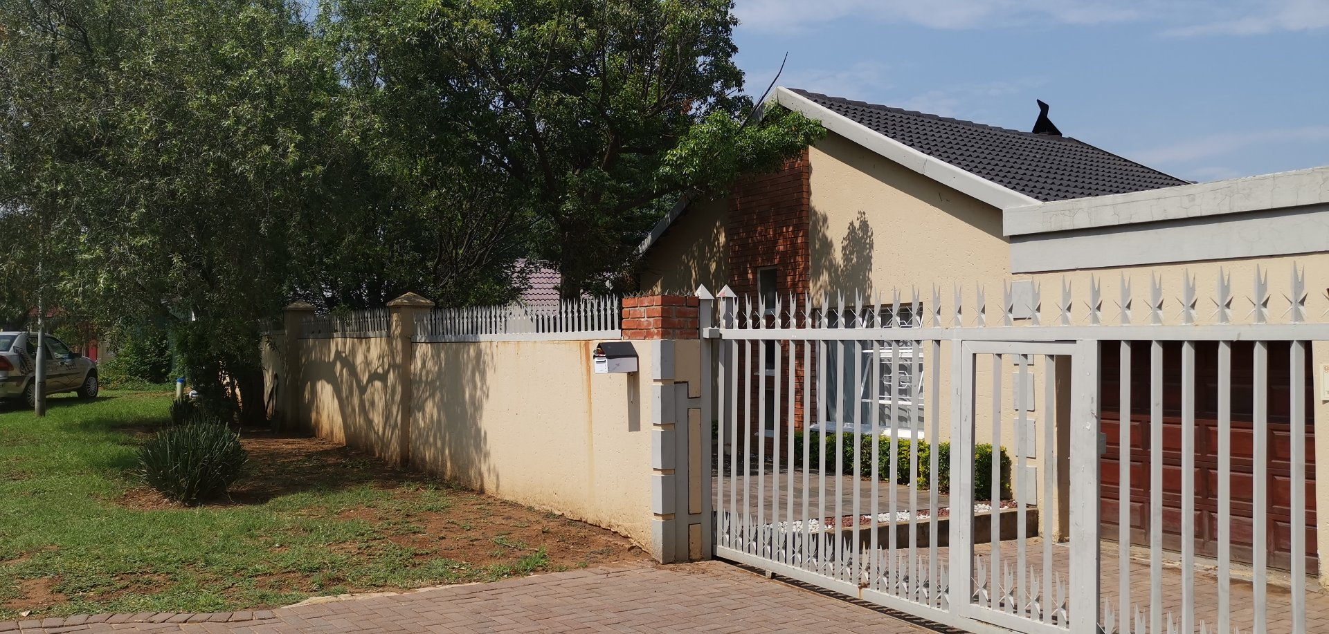 Property and Houses for sale in Rooihuiskraal, House, 5 Bedrooms - ZAR 2,200,000