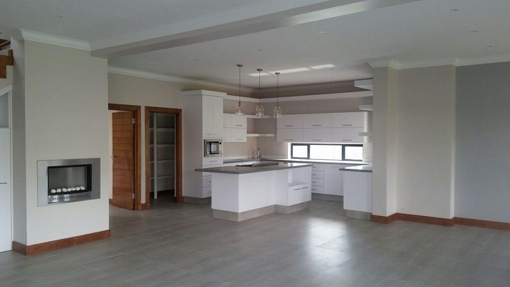 Midstream Ridge Estate property for sale. Ref No: 13379169. Picture no 6